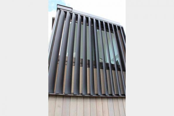 Differences between metal and aluminium louvers?